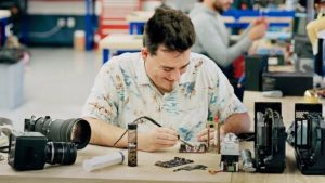 Palmer Luckey Offers Free Repair Kits for Oculus Rifts with Audio Issues