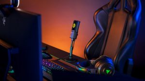 Razer Launches New Pro Grade Seiren Emote Mic With LEDs and Emojis