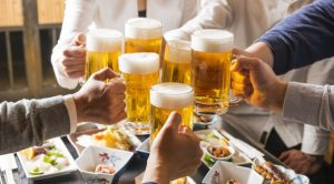 Japanese Bars and Restaurants Fight Consumption Tax Hike With All-You-Can-Drink Deals